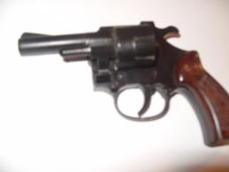 Pistolet  Revolver  Arme Alarme    6 Mm - Armes Neutralisées