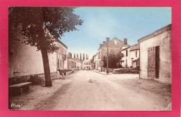 17 CHARENTE-MARITIME BRIZAMBOURG, Le Centre,  (Combier, Macon) - France