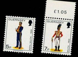 Guernsey 1976 Old Military Uniform - Antiche Uniformi Militari 2v ** MNH Complete Set - Guernsey