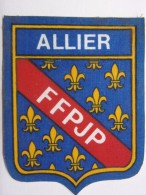 Ecusson Tissu - ALLIER - FFPJP - PETANQUE - Blason - Armoiries - Département 03 - Pétanque