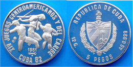 CUBA 5 P 1981 ARGENTO PROOF XIV JUEGOS CENTROAMERICANOS Y DEL CARIBE CUBA 82 GIAVELLOTTO  PESO 12g TITOLO 0,999 CONSERVA - Cuba
