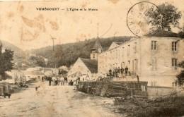 CPA VOUECOURT. L'église Et La Mairie. Animée. 1915 - Sonstige Gemeinden