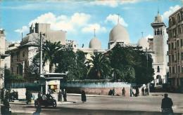 CONSTANTINE - Place  De La Pyramide Et Eglise  Du Sacré Coeur ( Moto Side Car ) - Constantine