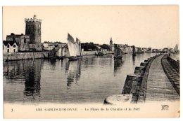Cpa   Les Sables D´Olonne   Le Phare De La Chaume Et Le Port  BE - Sables D'Olonne