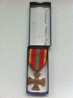 Médaille Des Combattants  Volontaires   Avec Sa Boite - France