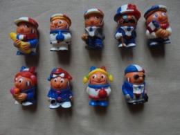 Petitot De 9 Figurines Kinder Fana D'Foot - Monoblocs