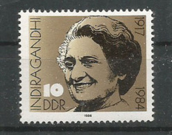 Hommage à Indira Gandhi. Premier Ministre Indien.  Un Timbre Neuf ** D'Allemagne - Mahatma Gandhi
