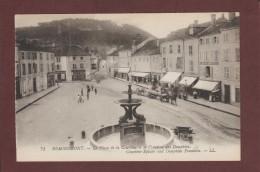 CPA - REMIREMONT - 88. Vosges  -- La Place De La Courtine Et La Fontaine Des Dauphins  -- Voir Les 2 Scannes Face & Dos - Remiremont