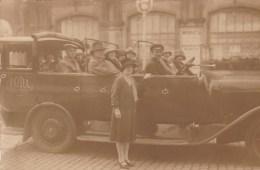 Ostende       Taxi      Inscription Sur La Voiture   T.O.D.A.  VIOLETS CAR - Oostende