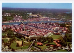 CPSM PYRENEES BAYONNE VUE AERIENNE LES FORTIFICATIONS LES TENNIS TBE - Bayonne
