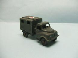 Lesney Matchbox - AUSTIN MK 2 RADIO TRUCK Ambulance Croix Rouge Militaire Occasion HO 1/87 - Road Vehicles