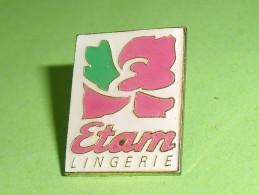 Pin's / Autres / Divers : Etam , Lingerie       TB1(7a) - Pin's & Anstecknadeln