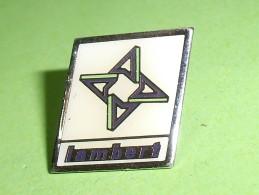Pin's / Autres / Divers : Lambert     TB1(7a) - Pin's & Anstecknadeln