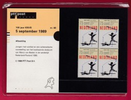 "NEDERLAND, 1989 , Stamps ""Postboek 100 Years KNVB Soccer"",  PB 68, F1177 - Period 1980-... (Beatrix)"