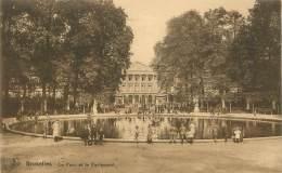 BRUXELLES - Le Parc Et Le Parlement - Forests, Parks