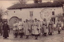 VOSGES - MENIL S/BELVILLE - 17-8-1917 - LES TROUPES DEFILENT DEVANT LES OFFICIERS LE 18-12-1916. - Oorlog 1914-18