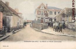 CHATEAUFORT LA MAIRIE ET L'ECOLE COMMUNALE ANIMEE 78 YVELINES - France