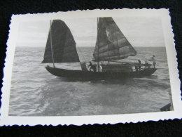 Photographie Originale Ancienne Circa 1950 Viet Nam Une Jonque LIOB43 - Lieux
