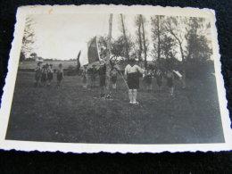 Photographie Originale Ancienne 1939 à Bosc Le Guérard --  Scout Lever De Couleur  LIOB43 - Lieux