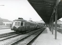 Autorail X 2400 à Dieppe-Ville. Photo Jacques Bazin. 8 Juin 1975 - Trains