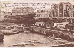 Cpa  BIARRITZ LE PORT DES PECHEURS L EGLISE ST EUGENIE ET HOTEL D ANGLETERRE - Biarritz