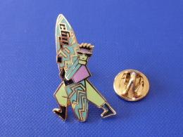 Pin's Surf - Tiga - Planche - Surfeur (PQ56) - Waterski