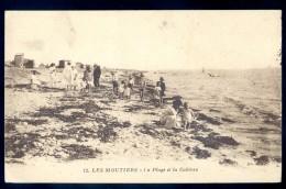 Cpa Du 44  Les Moutiers -- La Plage Et Les Cabines   LIOB41 - Les Moutiers-en-Retz