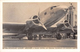 """04148 """"TWA DOUGLAS LUXURY AIRLINER AT GRAND CENTRAL AIR TERMINAL (GLENDALE) LOS ANGELES-CALIFORNIA""""  CART NO SPED - 1946-....: Moderne"""