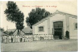 03 - Moulins - 10e Chasseurs ; A La Voltige. - Moulins