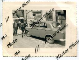 Pastis 51 Berger Maurin 403 8x11cm Voiture Renault Peugeot A Identifier Publicité Alcool Village Nouvelles Galeries - Automobili