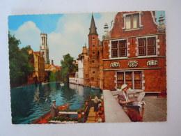 Brugge Bruges Rozenhoedkaai En  Belfort Kant Quai De Rosaire Et Belfort Dentelle Lace Edit Krüger 923/23 - Folklore