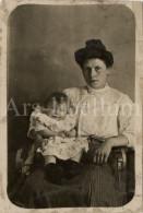 Photo Ancien / Enfant / Child / Bébé / Baby / Femme / Woman / Ca 1900 - Personnes Anonymes