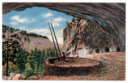 A-1131, Postcard, Kiva Of Ancient Cliff Dwellers In Ceremonial Cave, New Mexico - Native Americans