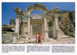 1 AK Türkei * Antike Stadt Ephesos Hadrianstempel Mit Chronik Auch In Deutsch Ca. 117-138 N. Chr. Erbaut - Turquie