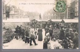 DIEPPE . La Place Nationale Un Jour De Marché . Animé . - Dieppe