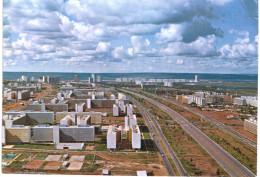 Amérique - Brésil - Brasilia - Eixo Rodoviaro Com Blocas Residenciais - Brasilia