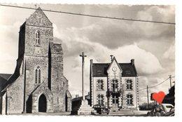 05601-LE-50-SAINT-SAUVEUR LENDELIN-Belle Eglise (XIIIe Et XIVe S.) Et Mairie - Andere Gemeenten