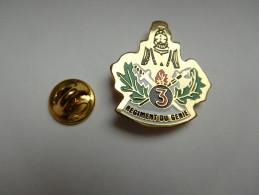 Beau Pin´s , Armée Militaire , 3e Régiment Du Génie , Charleville-Mézières - Militaria
