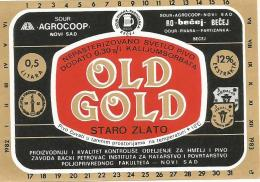 Old Gold  Beer Label From Serbia Yugoslavia Pivara Becej Brewery (out Of Business) - Bier
