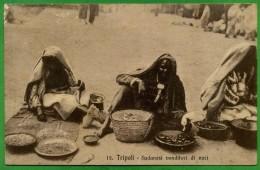 CPA LIBIA LIBYA LIBYE  - 1913 - TRIPOLI - SUDANESI VENDITORI DI NOCI - Timbro GARIAN Tripolitania - Libia