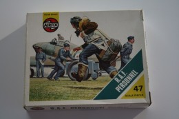 Airfix WW2 R.A.F. Personnel, Scale HO/OO, Vintage - Figurines