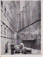Austria Tabak - Sammelbild Adolf Hitler Und Sein Weg Zu Großdeutschland - Galgenhof Wiener Landgericht (22500) - Cigarette Cards