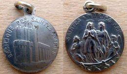 Mada-818 Médaille Ancienne En Ag(poinçon) Les Saintes Maries - Religion & Esotérisme
