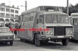 Photographie D'un Camion Publicitaire Pour La Marque Banania En 1969 - Reproductions