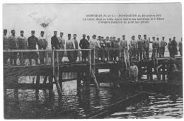 MONTJEAN INONDATION DE DECEMBRE 1910  CONSTRUCTION D UN PONT PAR 6 EME GENIE  **** **   SUPERBE  A   SAISIR  **** - Militaria