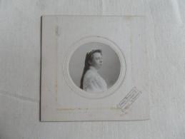 ANCIENNE  PHOTO  SUR CARTON  / PORTRAIT DE JEUNE FILLE     /  O.WERDER  LA LOUVIERE - Antiche (ante 1900)
