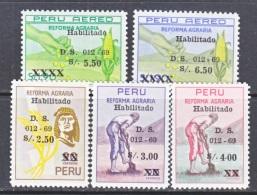 PERU  510-12,   C 232-3   **    FARMING - Peru