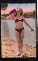 Jeune Femme Sexy En Maillot De Bain -  Hav67 - Naakt-Volwassenen (< 1960)