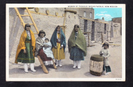 ET1- 41 WOMEN OF TESUQUE INDIAN PUEBLO NEW MEXICO - América