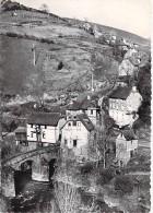 12 - CONQUES : Vieux Pont - Faubourg - CPSM GF Dentelée Noir Et Blanc 1953 - Aveyron - France